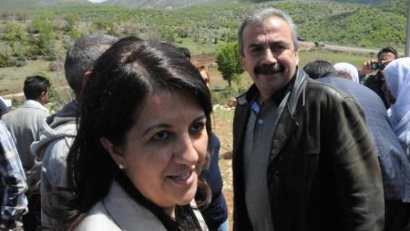 Buldan: Türkiye,ABD'nin Kobani'ye Silah Yardımından Ders Çıkarmalı