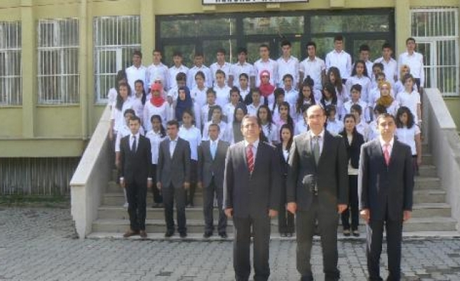 19 Mayıs Atatürk'ü Anma Gençlik Ve Spor Bayramı Kulp'ta Coşku İle Kutlandı
