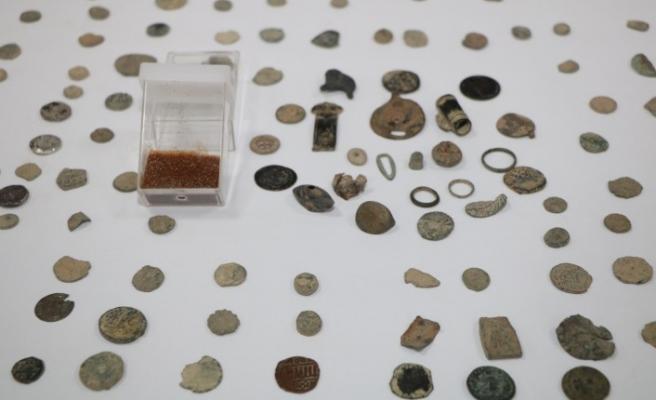 Kayapınar'da Roma ve Bizans dönemine ait Tarihi Sikkeler ele geçirildi