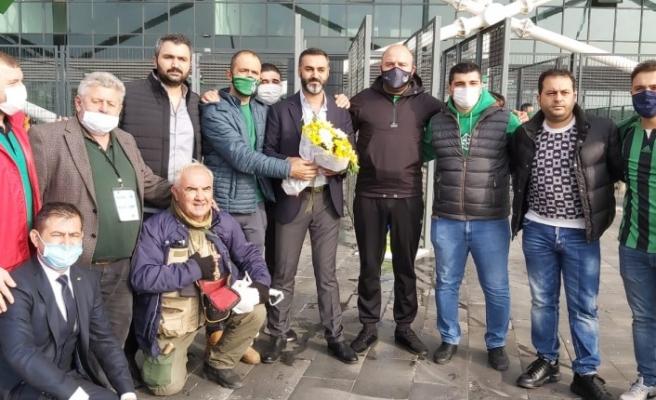 Sakarya'lı Taraftarlardan Diyarbekirspor'a Karşılama