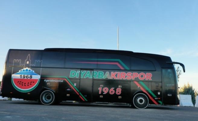 Diyarbakırspor'a Ali Gaffar Okkan Motifli Otobüs
