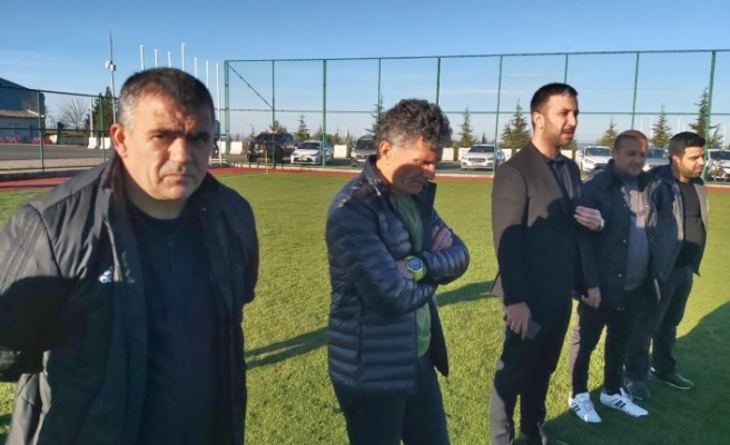Şampiyon Hoca Diyar'da