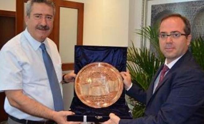 Ak Parti İl Başkanı Altaç, Vali Kıraç'ı Ziyaret Etti