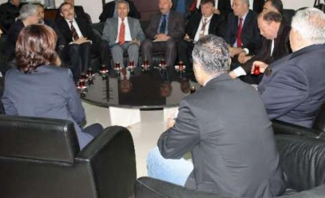 Anadolu Dernekler Konfederasyonu Sürece Destek İçin Diyarbakır'da