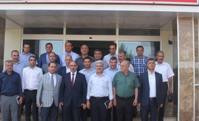 'DEVLETİ TEMSİL EDİYORUZ,HİZMETLE MÜKELLEFİZ'