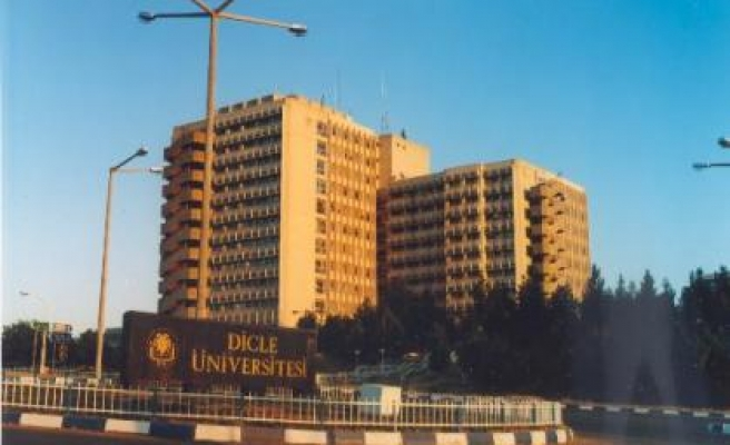 Dicle Üniversitesinden Demirtaş'a Yasak
