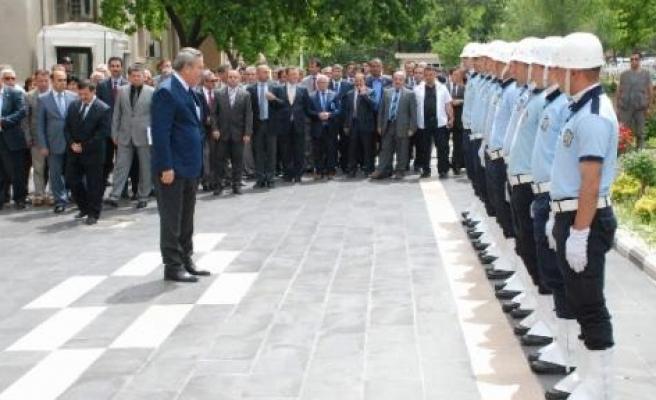 Diyarbakır Valisi Kıraç Göreve Başladı