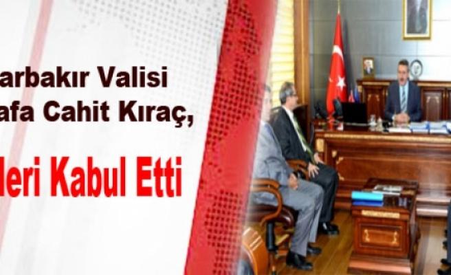 Diyarbakır Valisi Kıraç, Polisleri Kabul Etti