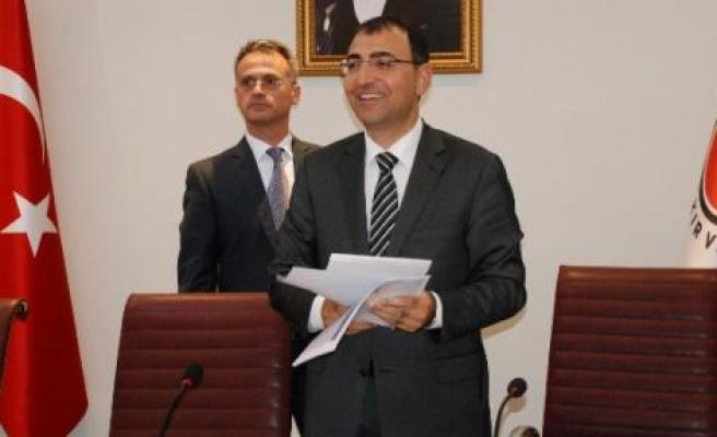 Diyarbakır Valisi Toprak'tan Operasyonlu Veda