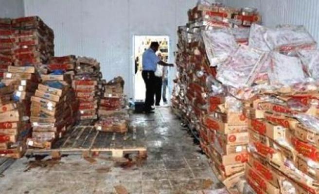 Diyarbakır'da 12 Ton Tavuk Eti İmha Edildi