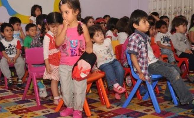 Diyarbakır'da Çocuklara Kürtçe Diş Sağlığı Eğitimi