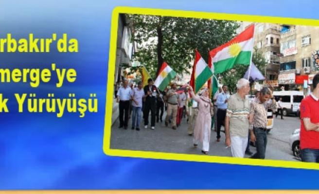 Diyarbakır'da Peşmerge'ye Destek Yürüyüşü