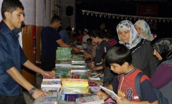Ergani'de Kitap Fuarı Açıldı
