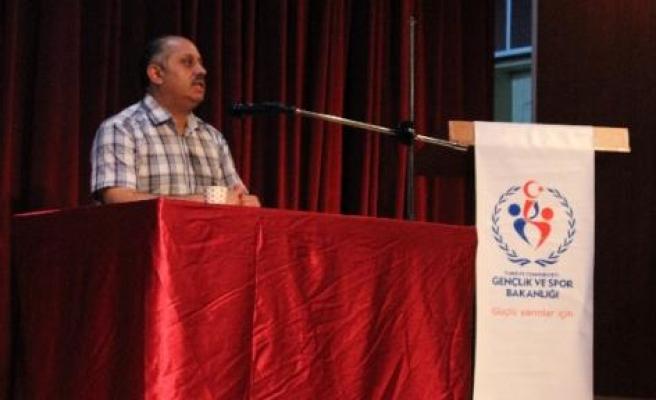 Gençliği Bekleyen Tehlikeler İsimli Konferans Düzenlendi