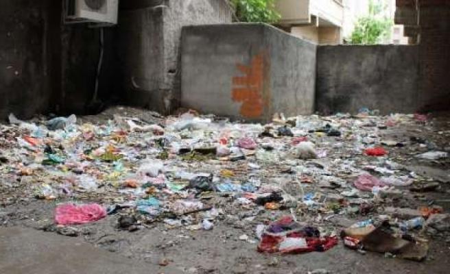 Mahalleliden 'çöp' Tepkisi