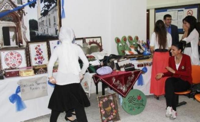 Silvan'da Çalışan Kadınlar Kermes Düzenledi