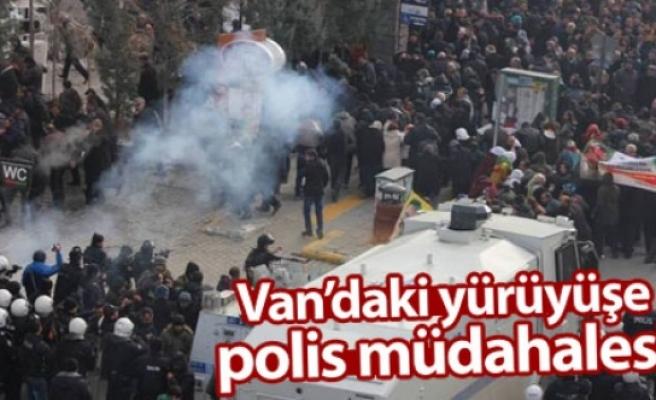 Van'daki yürüyüşe polis müdahalesi