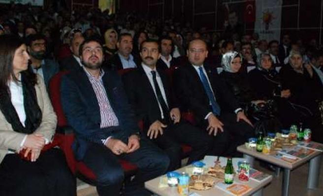 Yalçın Akdoğan Ak Parti Siyaset Akademisi'ne Katıldı
