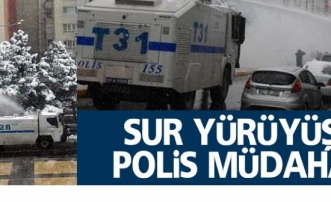 Yürüyüşe polis müdahelesi