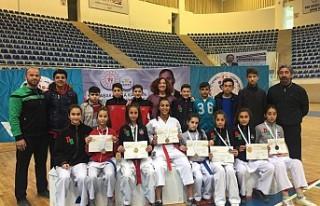 Karate'de Diyarbakır rüzgarı kasıp kavurdu