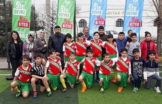 Sokak Futbolunda Bağlar Şampiyonu Fatih İlkokulu