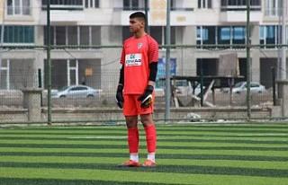 Genç Futbolcular Profesyonel Ligle Tanıştı