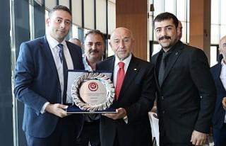 2.Lig Ve 3.Lig Kulüpleri Başkan Özdemir'i...