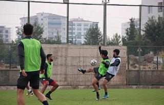 Kovid-19 Futbolu Vurmaya Devam Ediyor