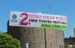 2. Diyarbakır Tiyatro Festivali Başladı