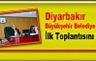 Diyarbakır Büyükşehir Belediye Meclisi İlk Toplantısını...