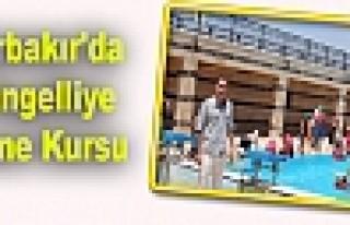 Diyarbakır'da 30 Engelliye Yüzme Kursu