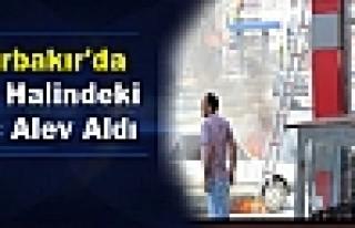 Diyarbakır'da Seyir Halindeki Araç Alev Aldı