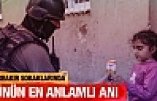 Diyarbakır'da Terör Operasyonuna Vatandaşlar Destek...