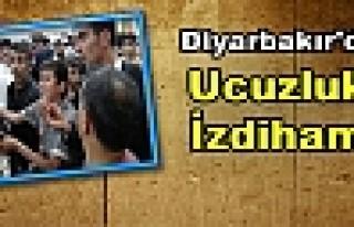 Diyarbakır'da Ucuzluk İzdihamı