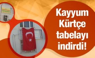Kayyum bir belediyede daha Kürtçe tabelayı indirdi!