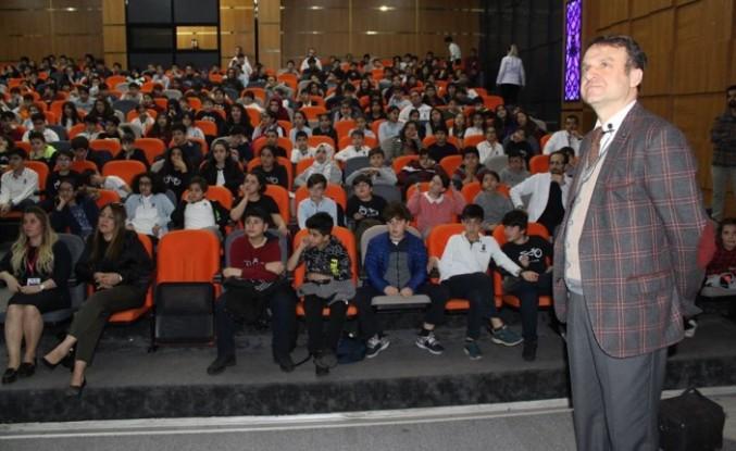 Prof.Dr. Temel'den plastik hayatlar, içilen plastikler ve kanser konferansı
